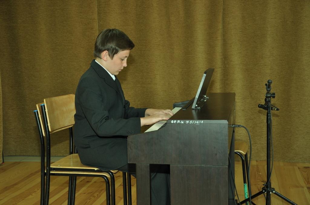 36 - Michał Serafin