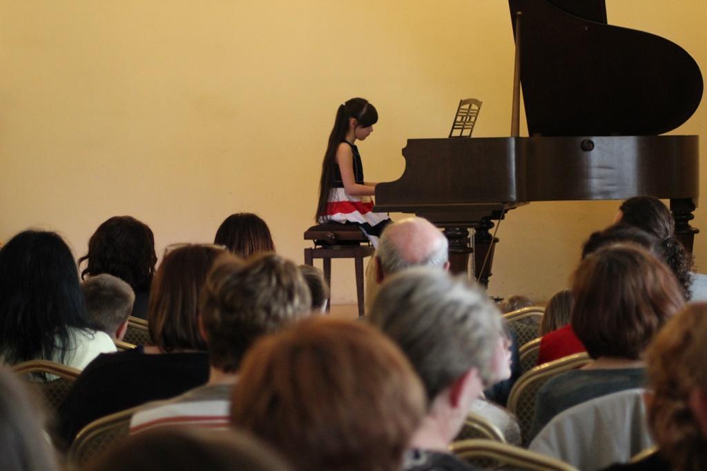 Zdjęcia uczestników V Przeglądu Szkół Muzycznych