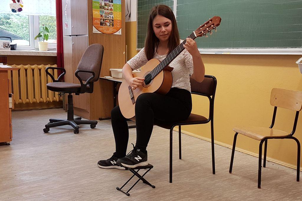 Popis klasy gitary p. Krzysztofa Przybyło