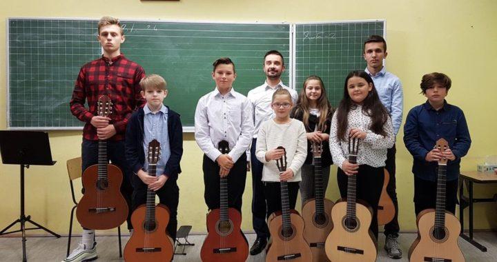 Audycja klasy gitary Krzysztofa Przybyło – 31.10.2019